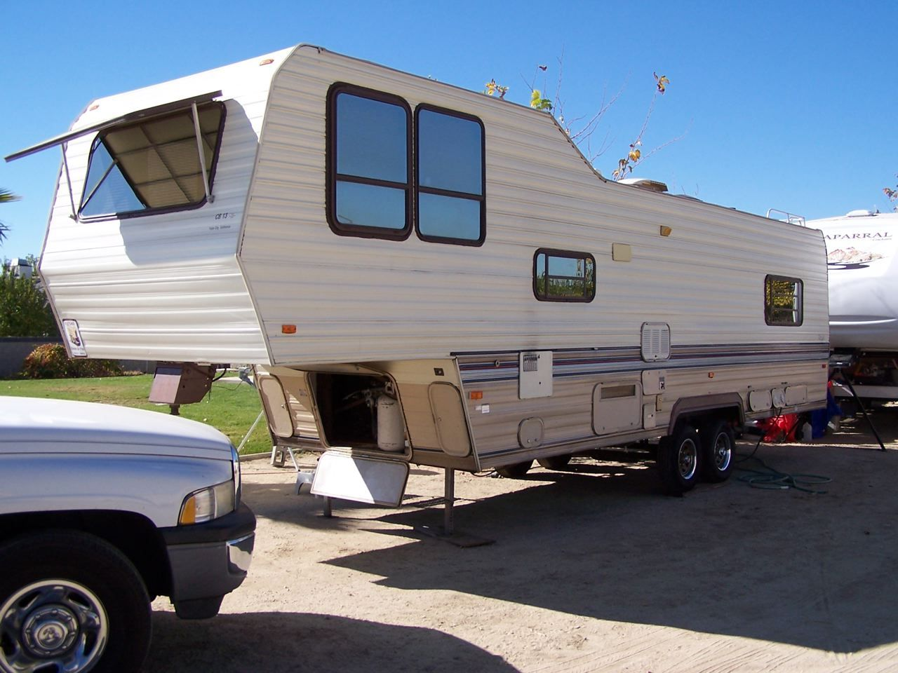 5th wheel campers prowler regal 5th wheel travel trailer rv [ 1280 x 960 Pixel ]