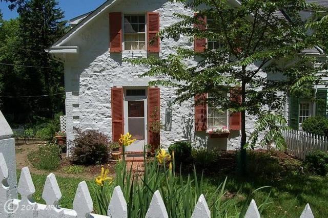 Dickeysville Original Schoolhouse ...so sweet!
