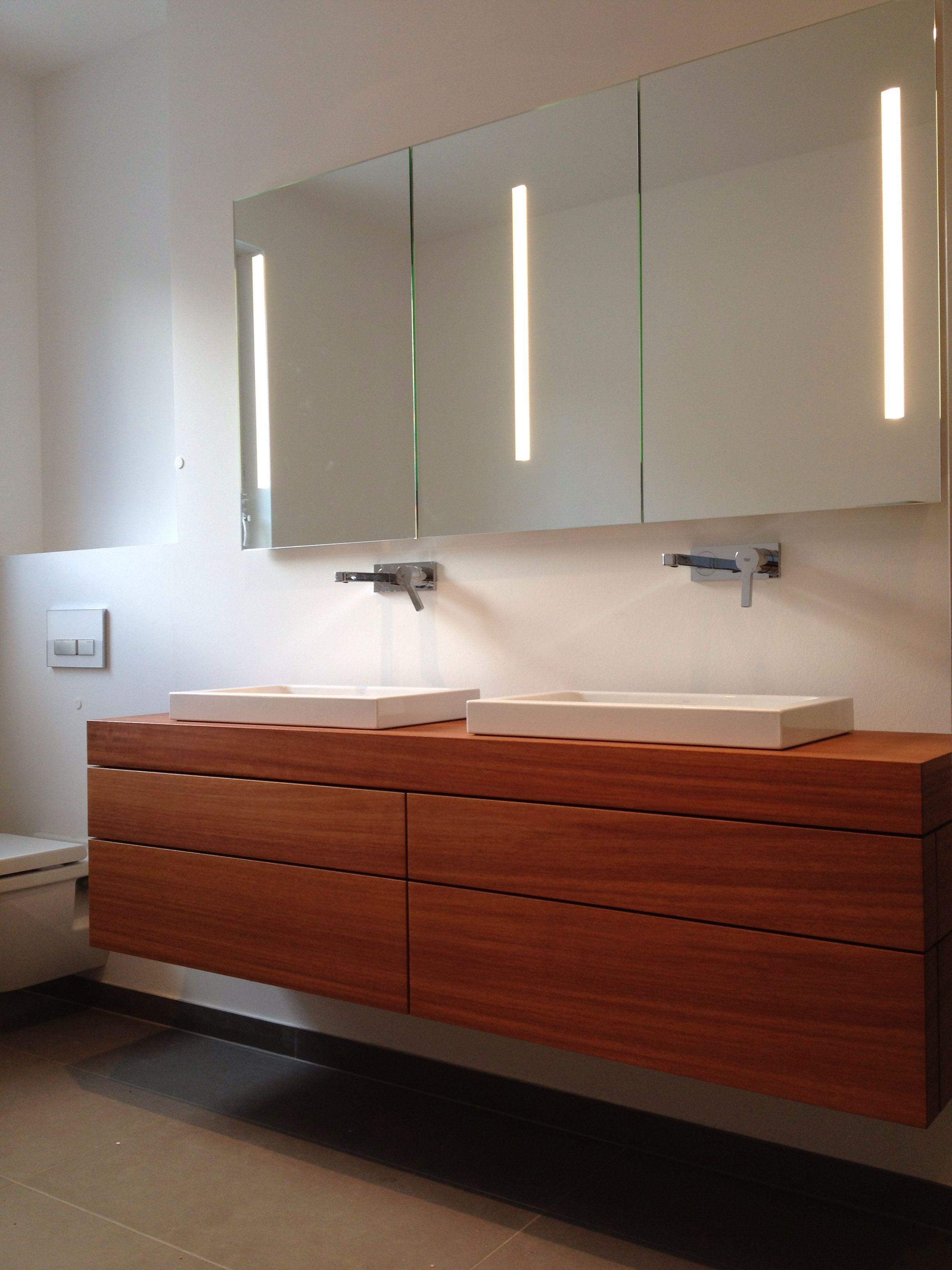 waschtischunterschrank mit schubladen und spiegelschrank. Black Bedroom Furniture Sets. Home Design Ideas