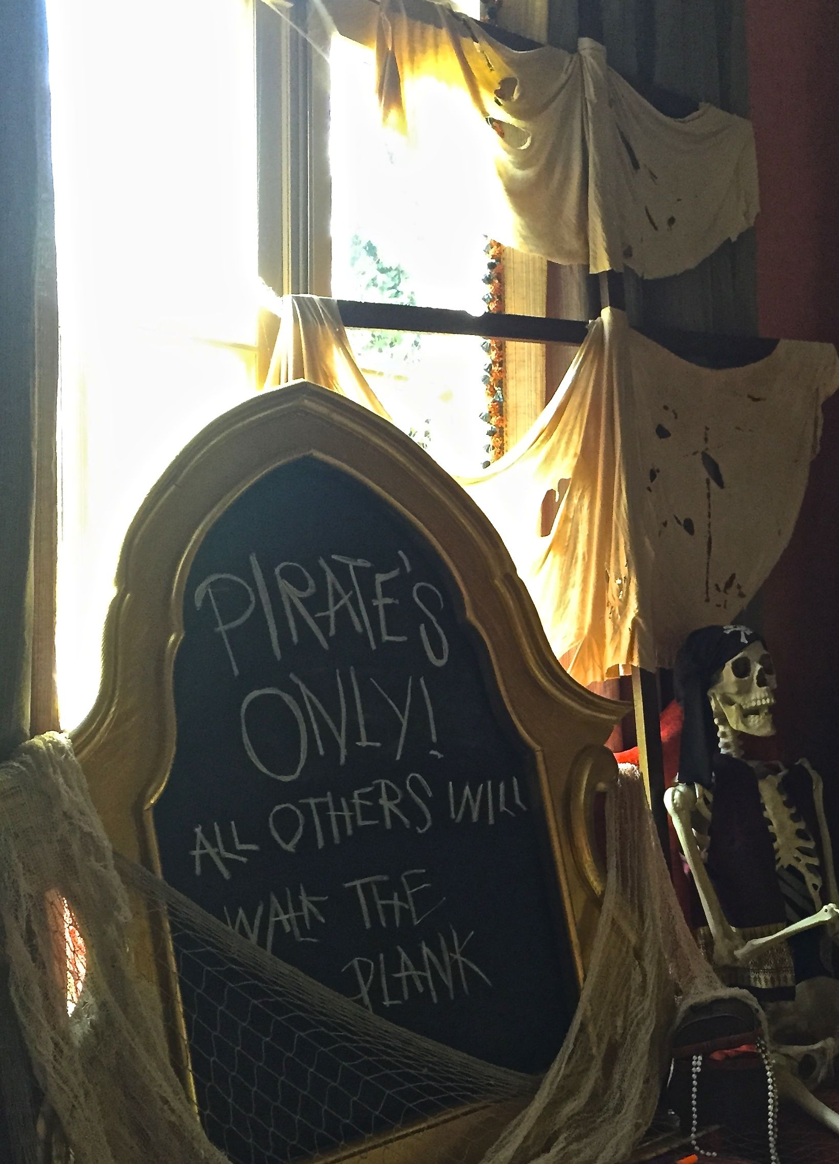 PIRATES ONLY! ALL OTHERS WILL WALK THE PLANK! Pirate Party decor ...