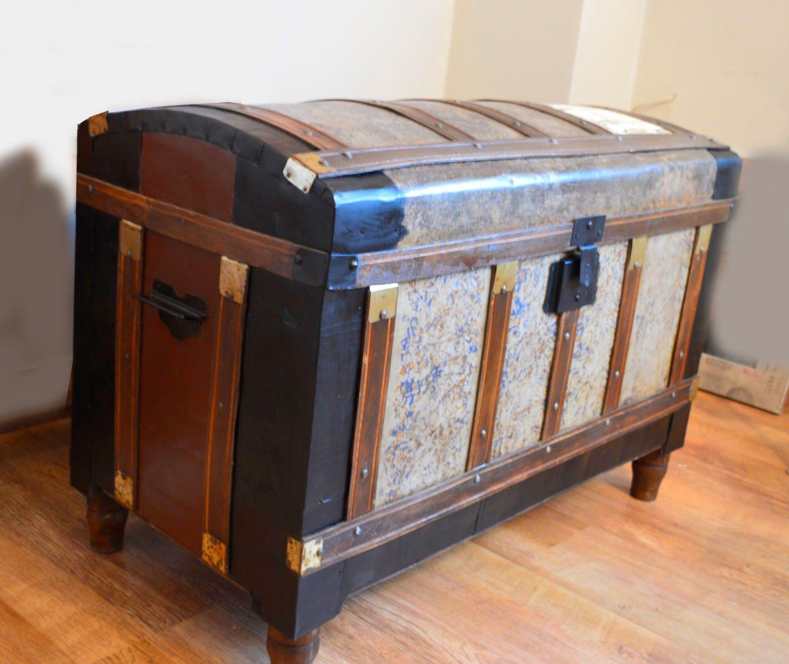 Quimera artesan a restauramos un baul antiguo seguramente for Muebles artesania
