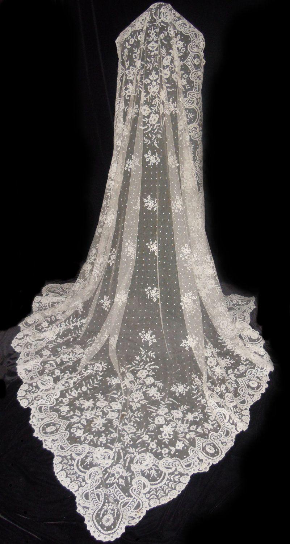 Antique Irish Carrickmacross Lace Wedding Veil Shawl 5 500 00 Via Etsy Simple Dress With This Veil Wedding Veil Vintage Wedding Veils Lace Lace Veils