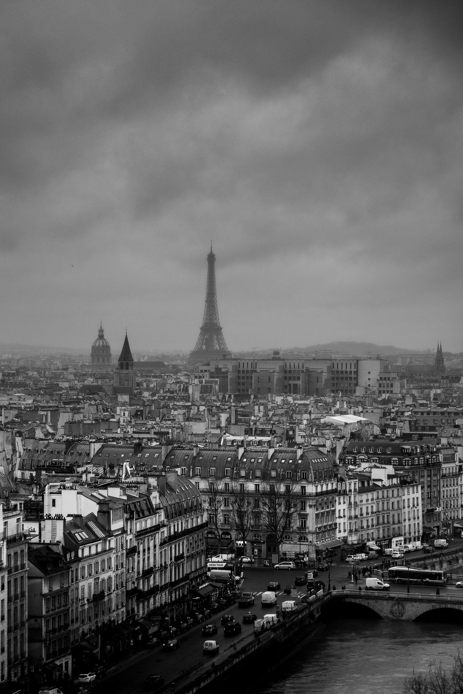 40 Stunning Black And White Iphone Wallpaper Backgrounds For Free Black And White Wallpaper Iphone France Travel Best Vacations