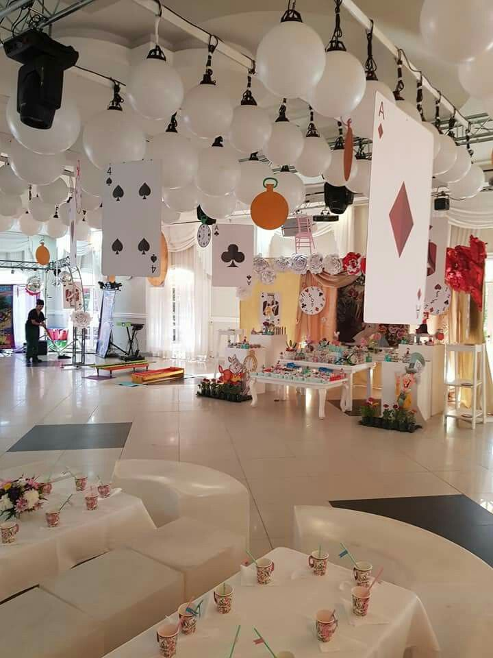 Ambientacion tematica alicia en el pa s de las maravillas for Decoracion xv anos alicia pais maravillas