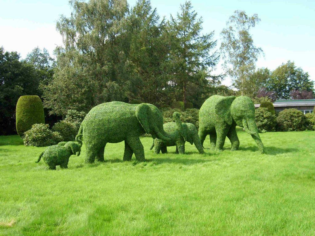 How To Make Topiary Animals Part - 46: Topiary Animals | Green Animal Garden - Topiary Art