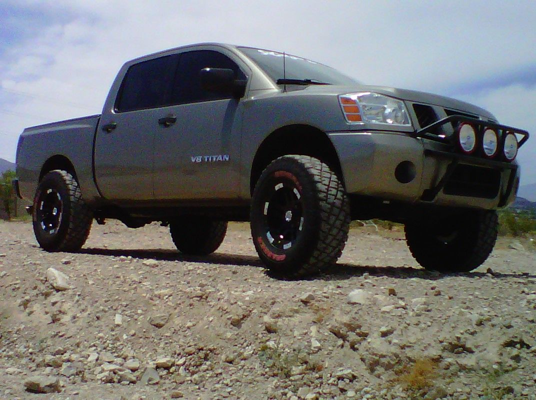 Off road wheels and tires for nissan titan