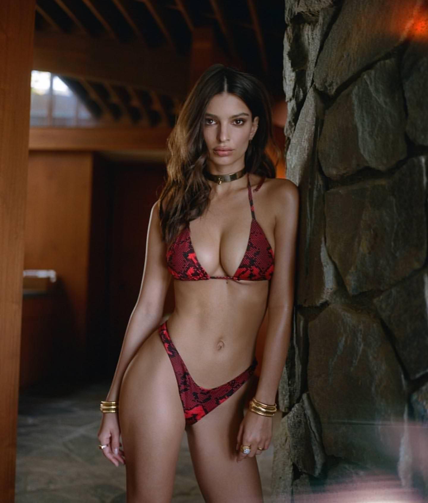 d5d2fa2929 Emily Ratajkowski Emily Ratajkowski, Red Bikini, Bikini Tops, Bikini  Swimwear, Bikini Babes