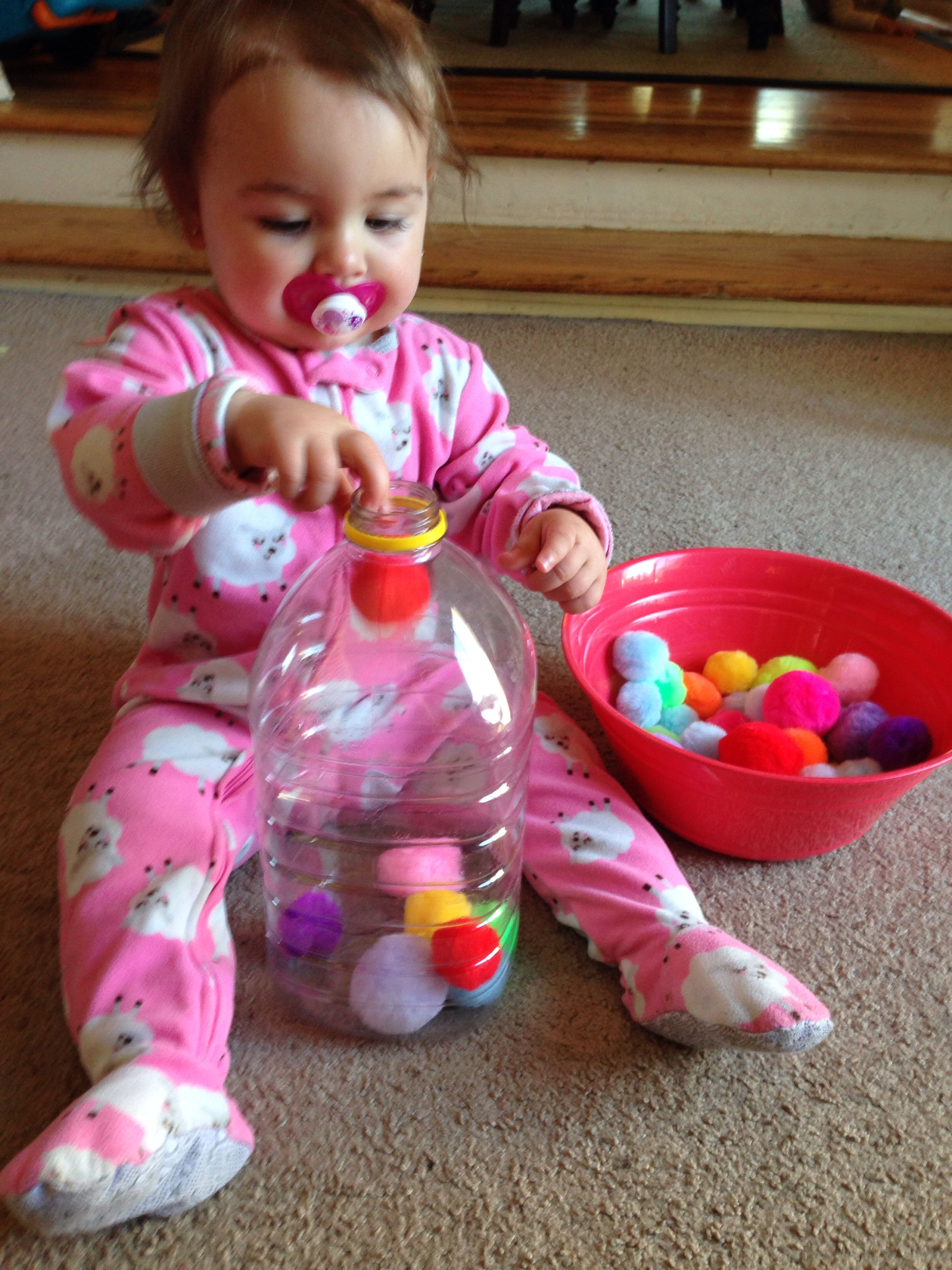 Los bebs se entretienen mucho con estas ideas actividades