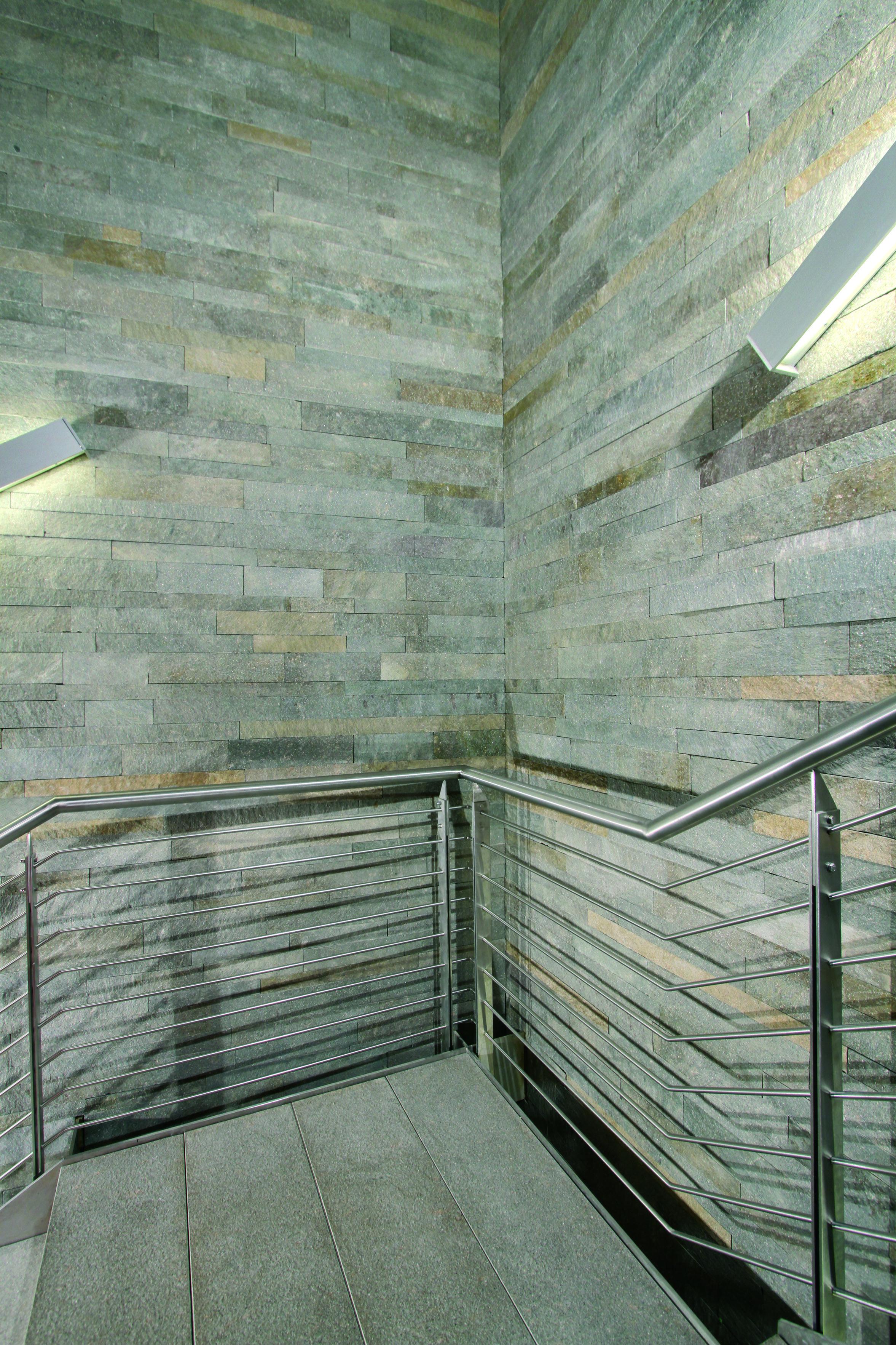 Mur De Cage D Escalier En Porphyre Kern Du Trentin Cage Escalier