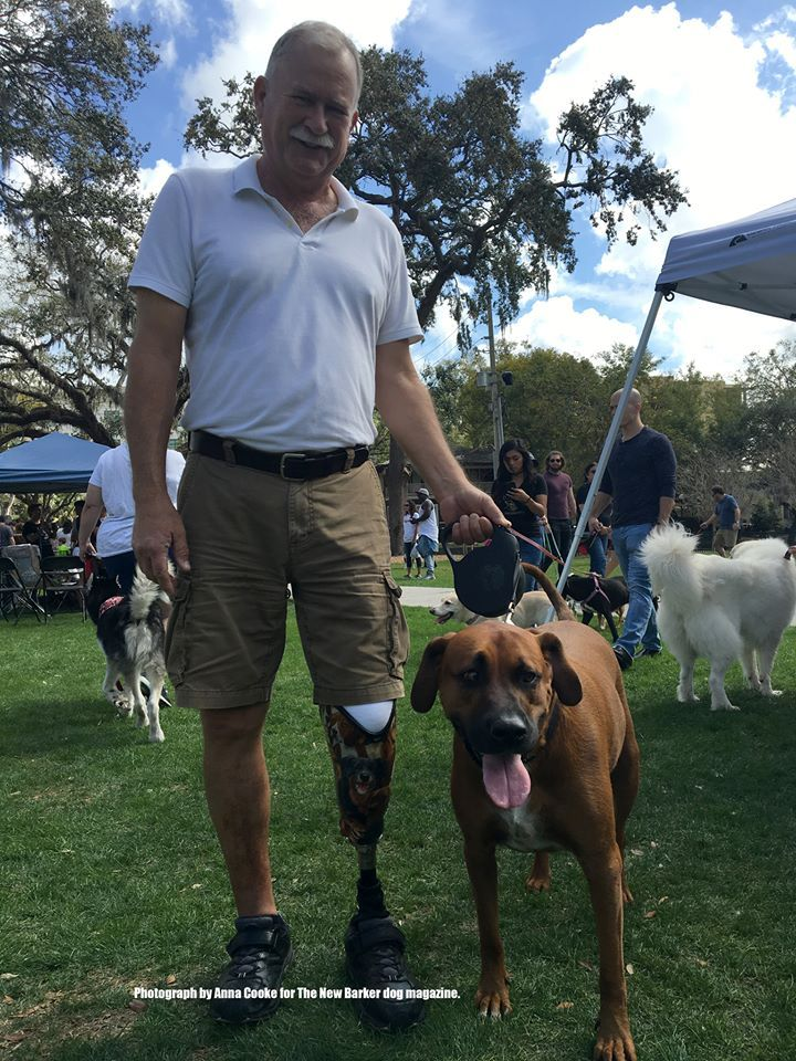 We love meeting fellow dog folk around Florida. We met