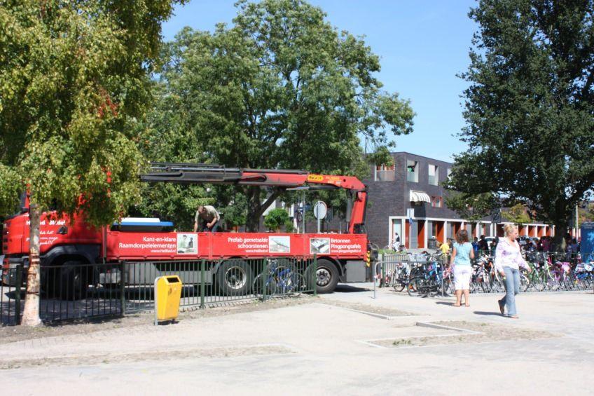 Pingpongtafel Afgerond Blauw bij Anne Frankschool in Papendrecht
