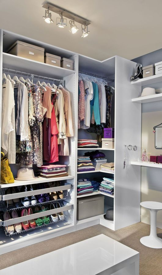 Comment aménager un dressing du0027angle ? Dressings, Walking closet - amenagement placard d angle cuisine