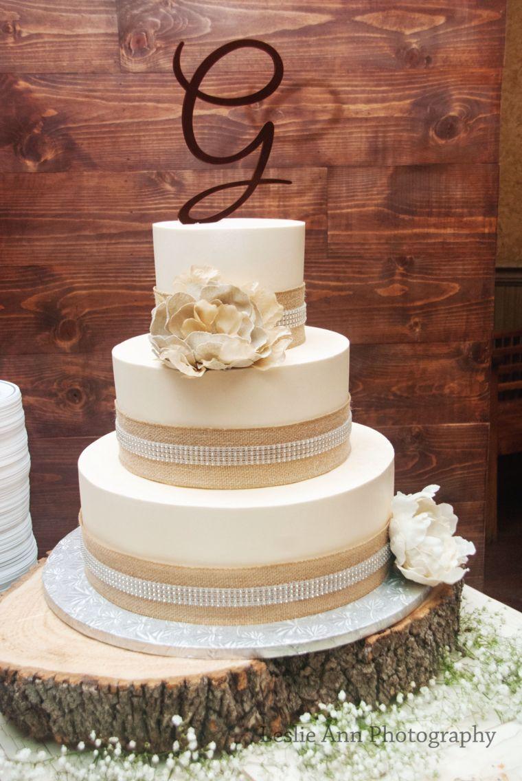 Burlap Wedding Cake | Burlap wedding cake, Cake, Wedding cakes