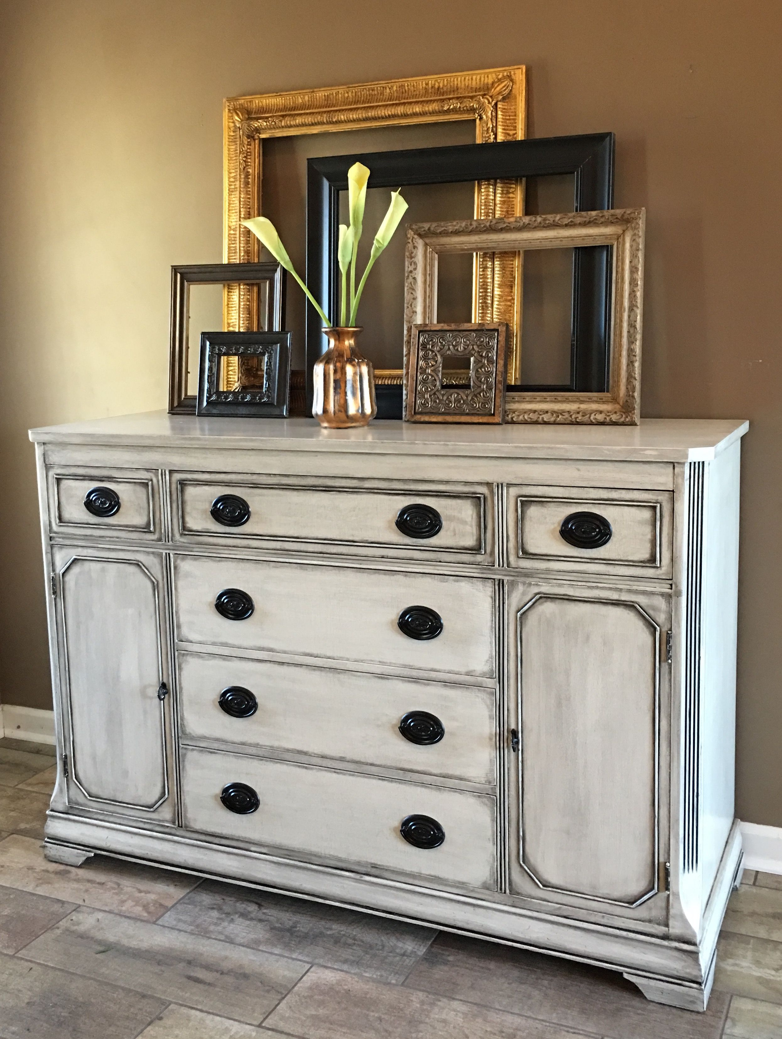 General Finishes Antique White With Pitch Black Glaze