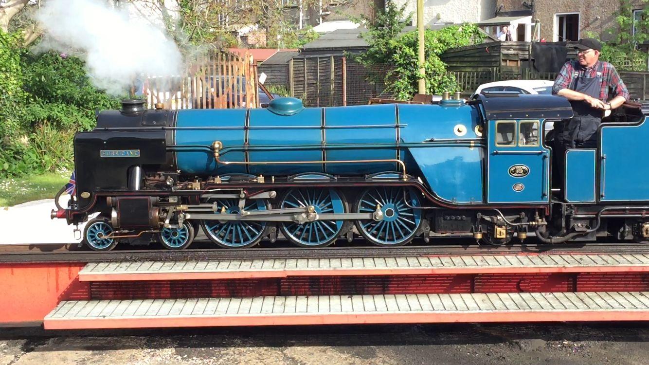 Rhdr No 8 Hurricane On The Hythe Turntable 10 5 2015 Live Steam Locomotive Heritage Railway Model Railway