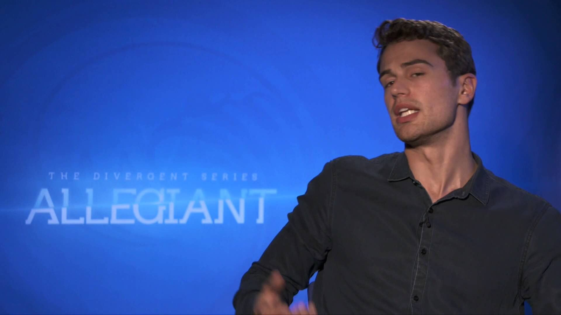 INTERVIEW: Theo James on Coming to Grips with His Heartthrob Status