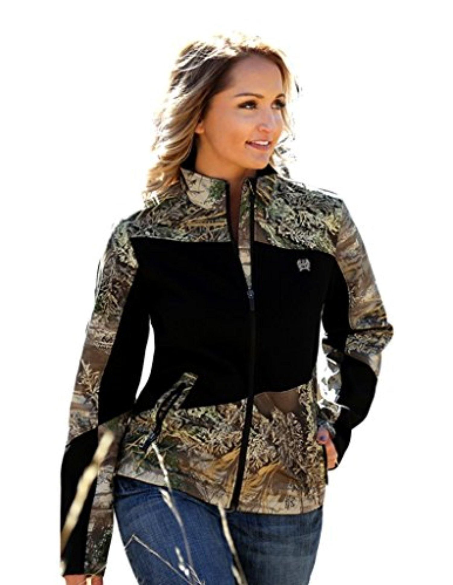 ed4fc4f65cdf1 This womens bonded hybrid jacket from Cinch s Outdoor collection features a  camo print with black inserts