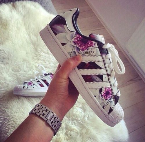 adidas superstar girl