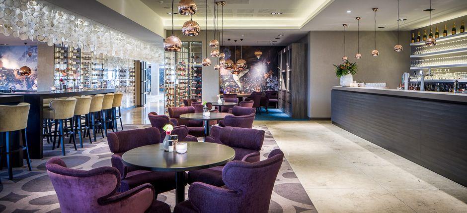 Restaurant - Van der Valk Hotel Zwolle | Valk hotels | Pinterest ...