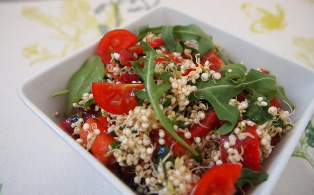die besten 25 quinoa salat veganblatt ideen auf pinterest salat rezepte basisch salat. Black Bedroom Furniture Sets. Home Design Ideas