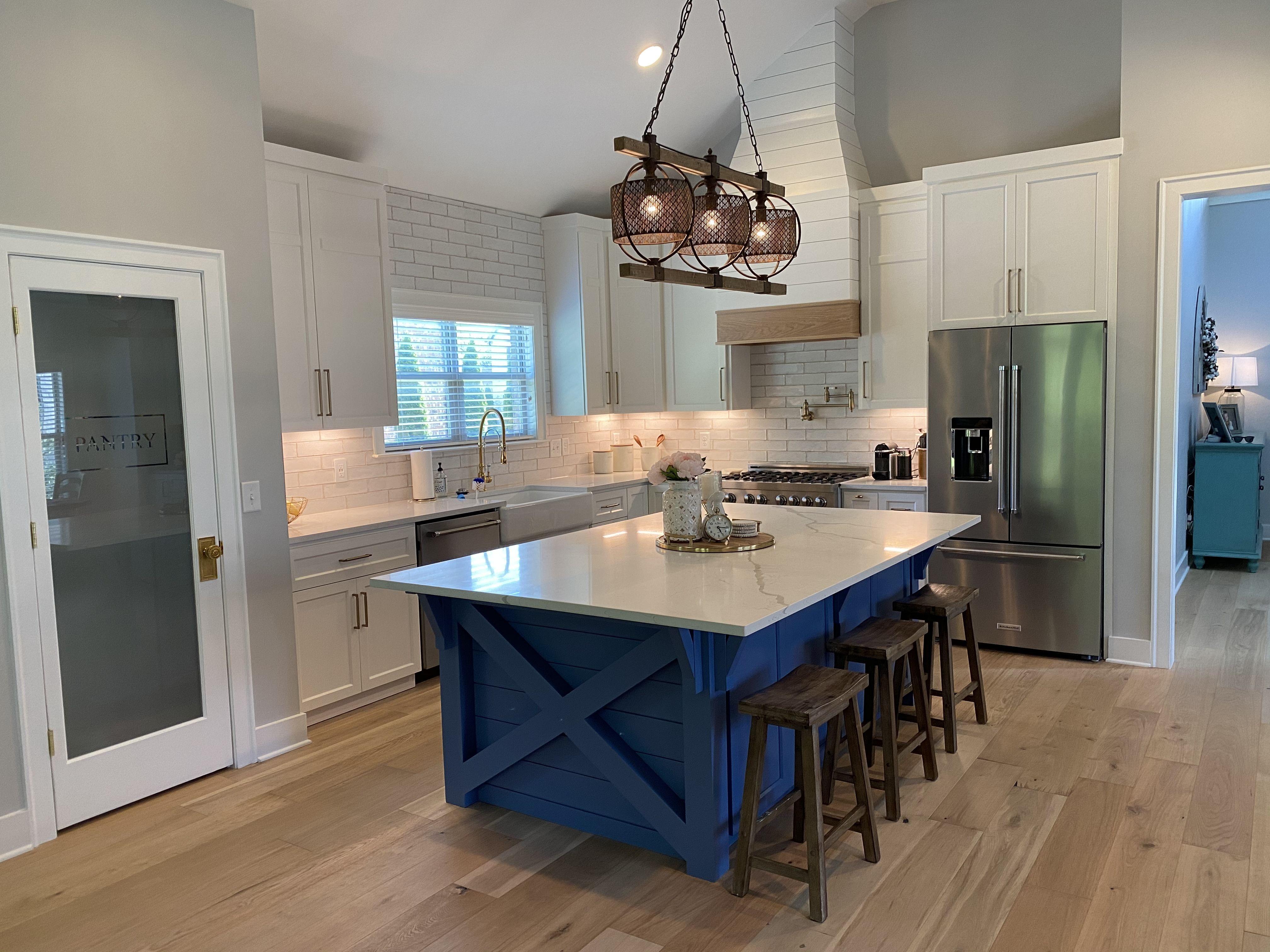 Farmhouse kitchen in 2020 farmhouse kitchen kitchen