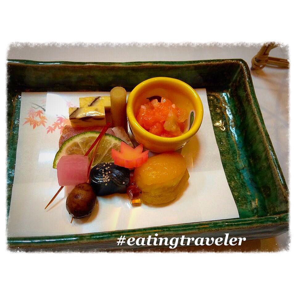 Traditional Japanese Small Room Interior Design: Japanese Traditional Kaiseki Dinner With Lots Of Small