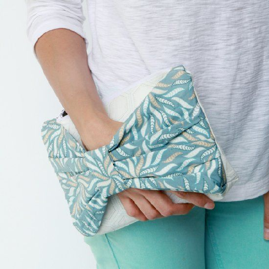 Learn how to make this super easy and cute clutch. great idea for a wedding bag with hat to match!