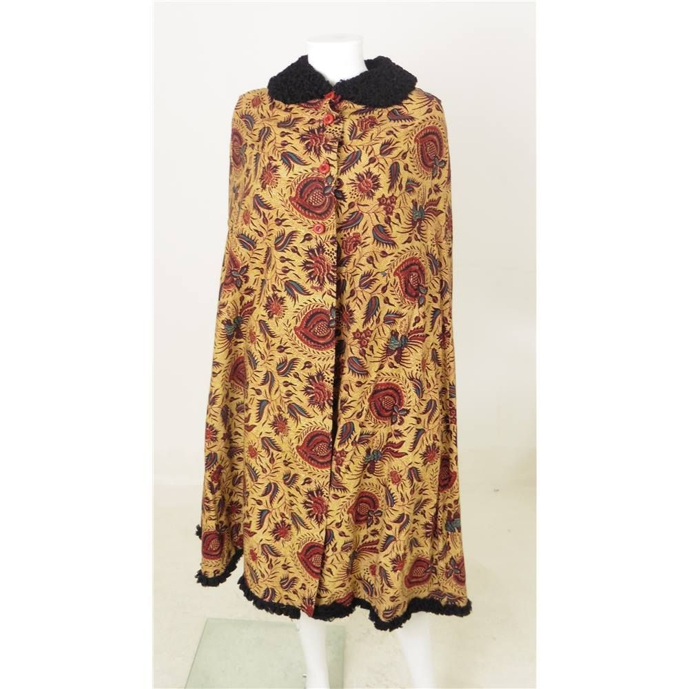 *Vintage 1970s Windsmoor Size 12 Brown and Red Printed Cotton Cape