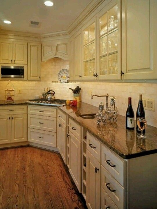 Perfect Image Of Corner Cooktop Hood And Micro Mounted