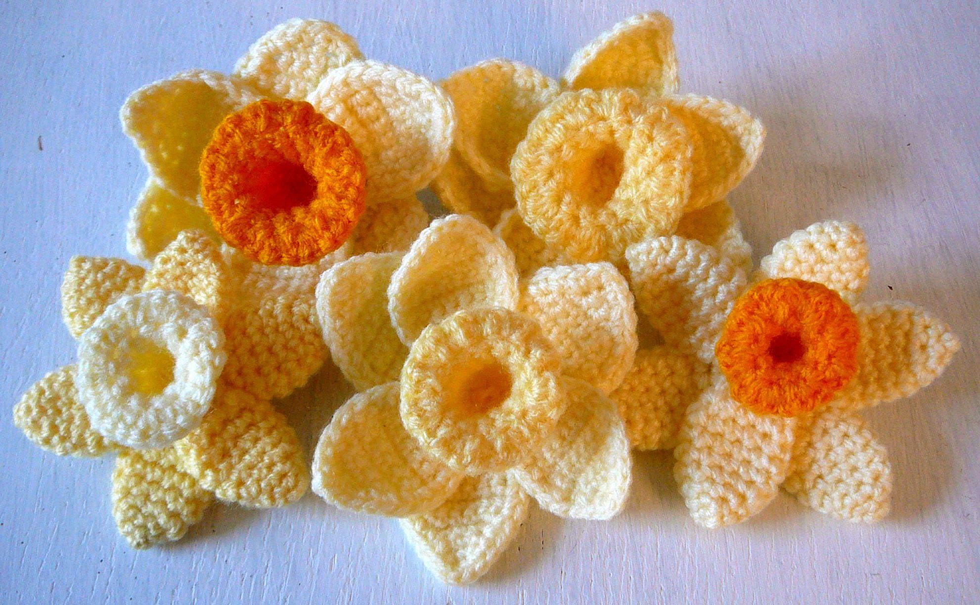 Cheery Crochet Daffodil Brooches Madeusing Freedonationware