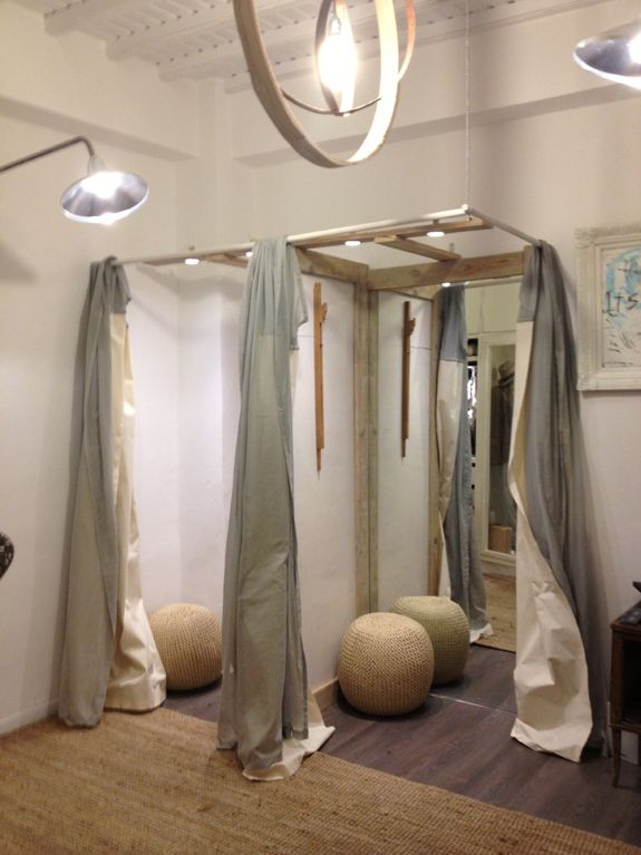 Fitting Room Designs For Retail: Pin On Showroom Inspiration