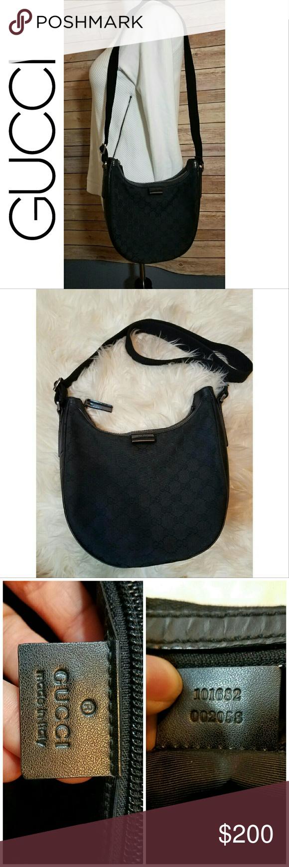 50cb81fae25 GUCCI Vintage GG Black Canvas Crossbody Bag Purse Authentic Vintage GUCCI  black canvas and leather sling