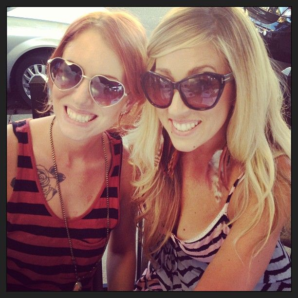 These Cute Gals Enjoy The Cali Sunshine While Shopping In Pleasanton Ca Primcouture Cali Style Gal Instagram