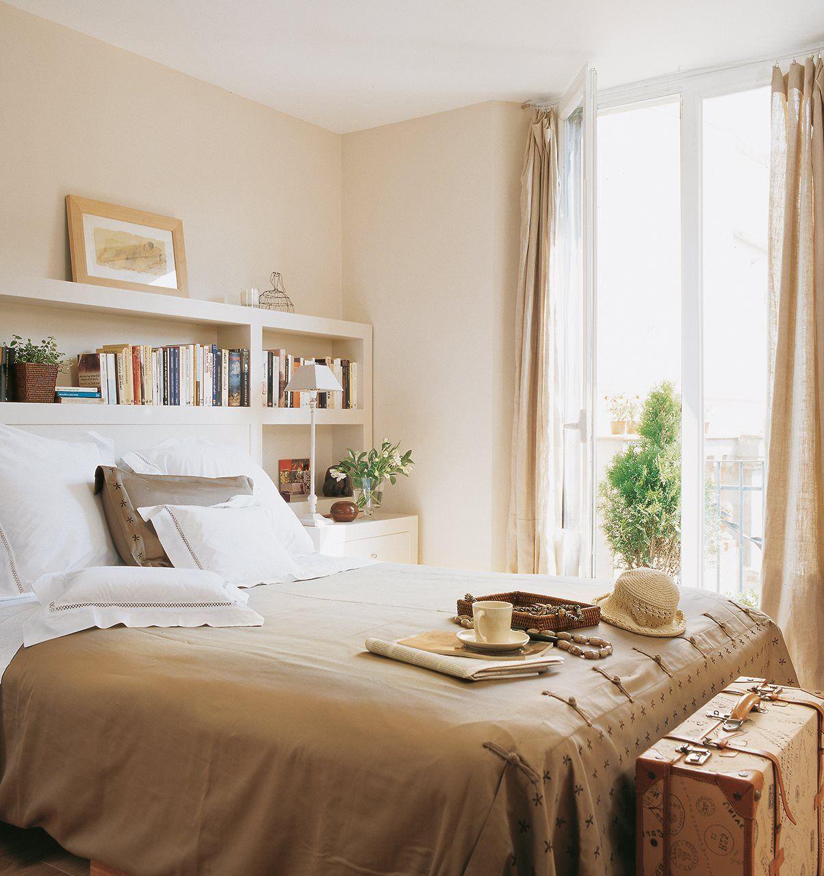 Gana espacio solo con baldas dormitorios bedrooms for Dormitorio principal m6 deco