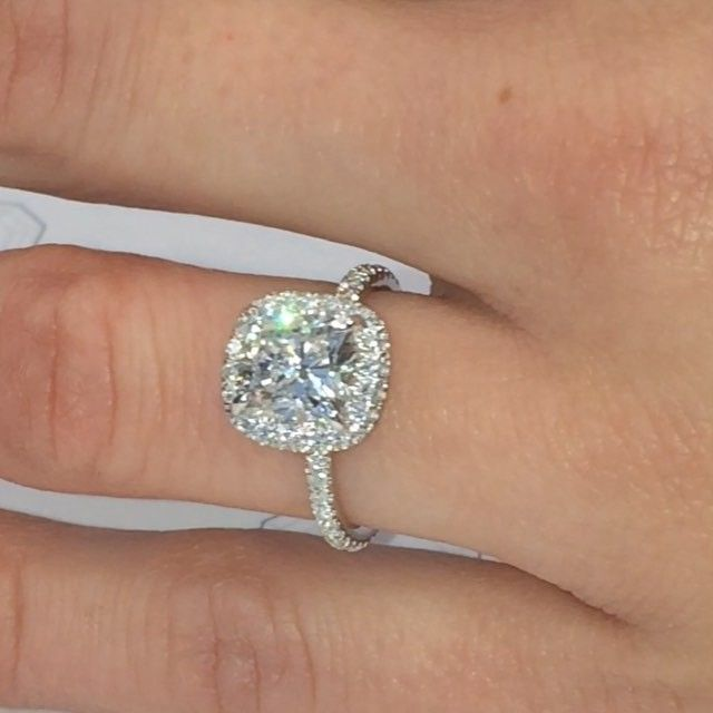 This Rs 61 Double Edge Halo Engagement Ring Is Always A Sure Fire
