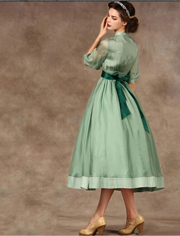 Audrey Hepburn Style 1950s Vintage Dress -   17 dress Green vintage ideas