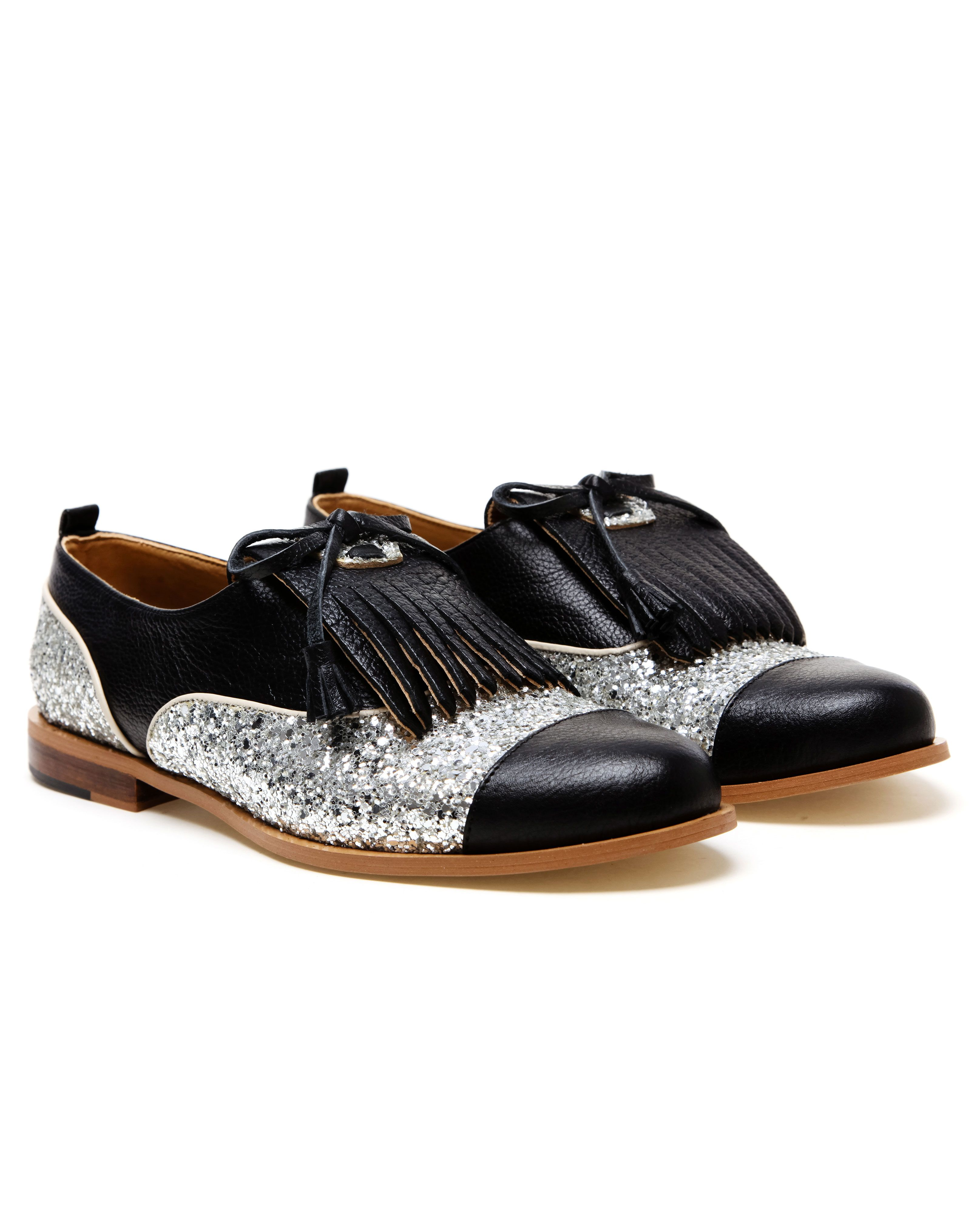 4ec03a9c4f Leather Oxford shoes with silver glitter inserts and kilties from Croon.