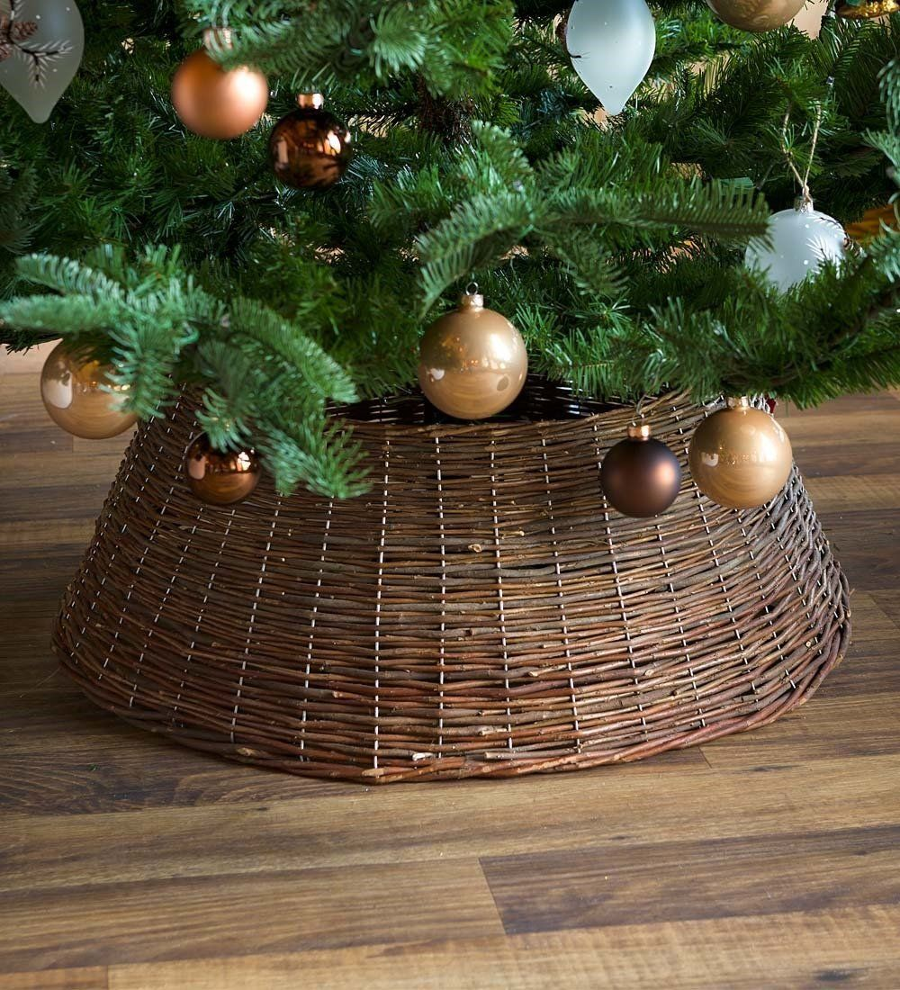 Amazon Com Large Willow Christmas Tree Ring Collar 27 Dia Home Kitchen Christmas Tree Ring Christmas Tree Stand Creative Christmas Trees