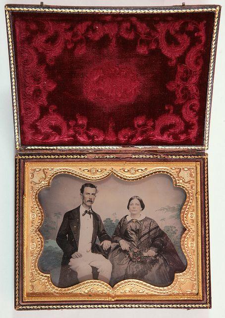 Retrato de un matrimonio, Anónimo, ca. 1860 by Museo del Romanticismo, via Flickr