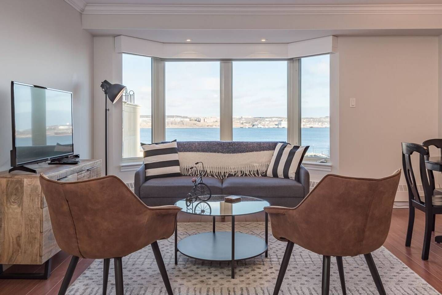 Luxury Living Downtown On The Halifax Harbour - Apartments ...