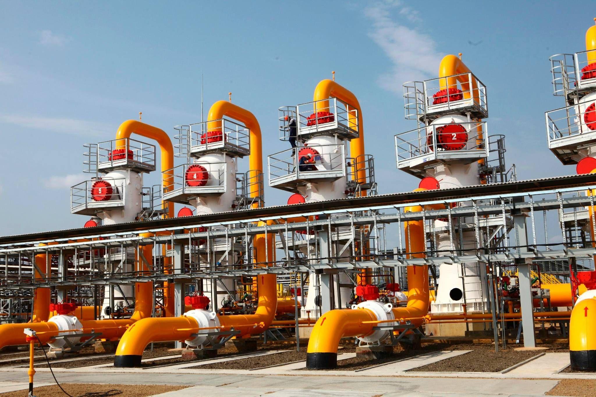 Natural Gas Compressor Station [2048 x 1365] Gas