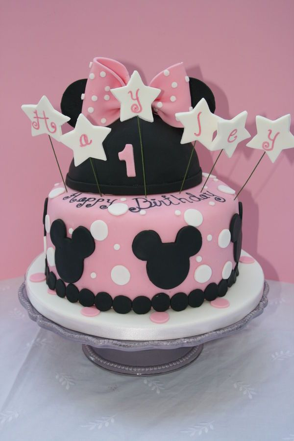 Minnie Mouse Themed Cake For A One Year Old Fondant Bow