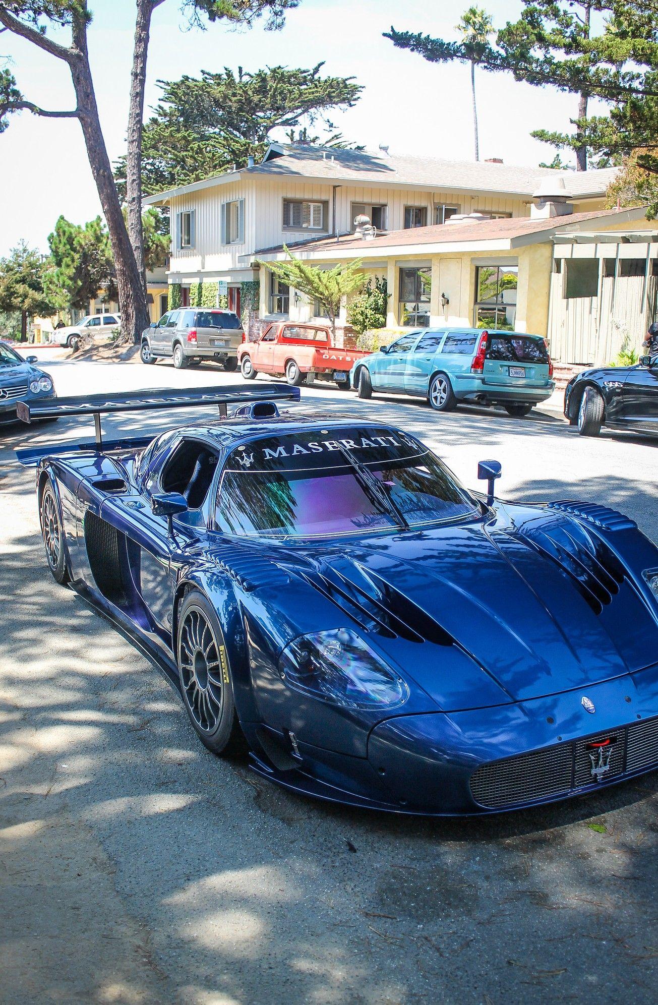 Maserati Mc12 Corsa Sure Doesn T Fit In That Neighborhood Lol スポーツカー マセラティ 伊太利亜