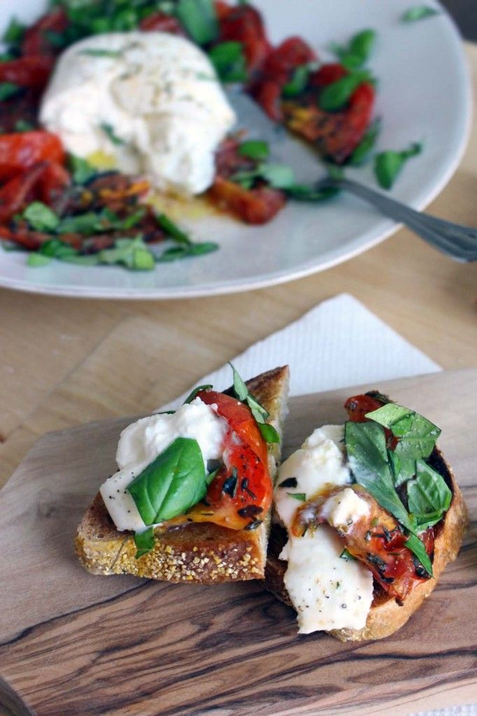 Roasted Tomato and Burrata Caprese Salad with Garlic Toasts