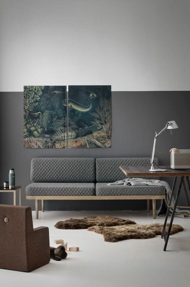 Ein dunkelgraue, halbhohe Wand macht den Raum interessant - wohnzimmer neu streichen