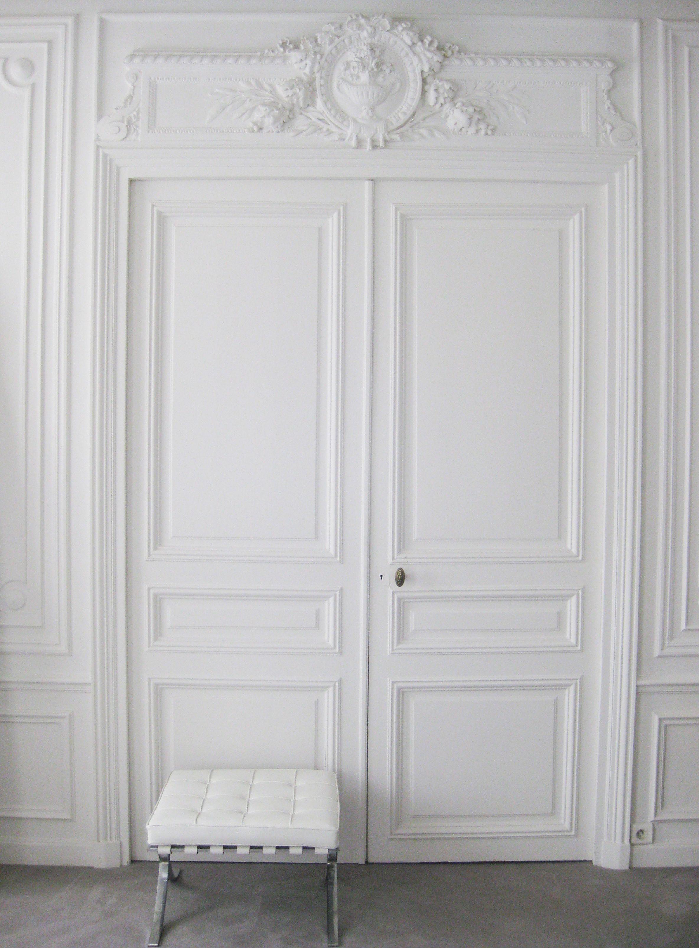 Bedroom Door Decorations Classical: Classical Parisian Interior Combined With Mies Van Der