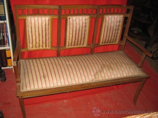 Precioso tresillo modernista, en madera de roble. Para restaurar ...