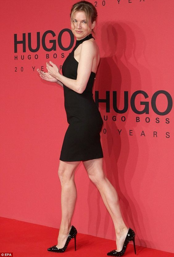 Renee Zellweger Sexy Legs In A Sleeveless Mini Dress And Sky High Heels