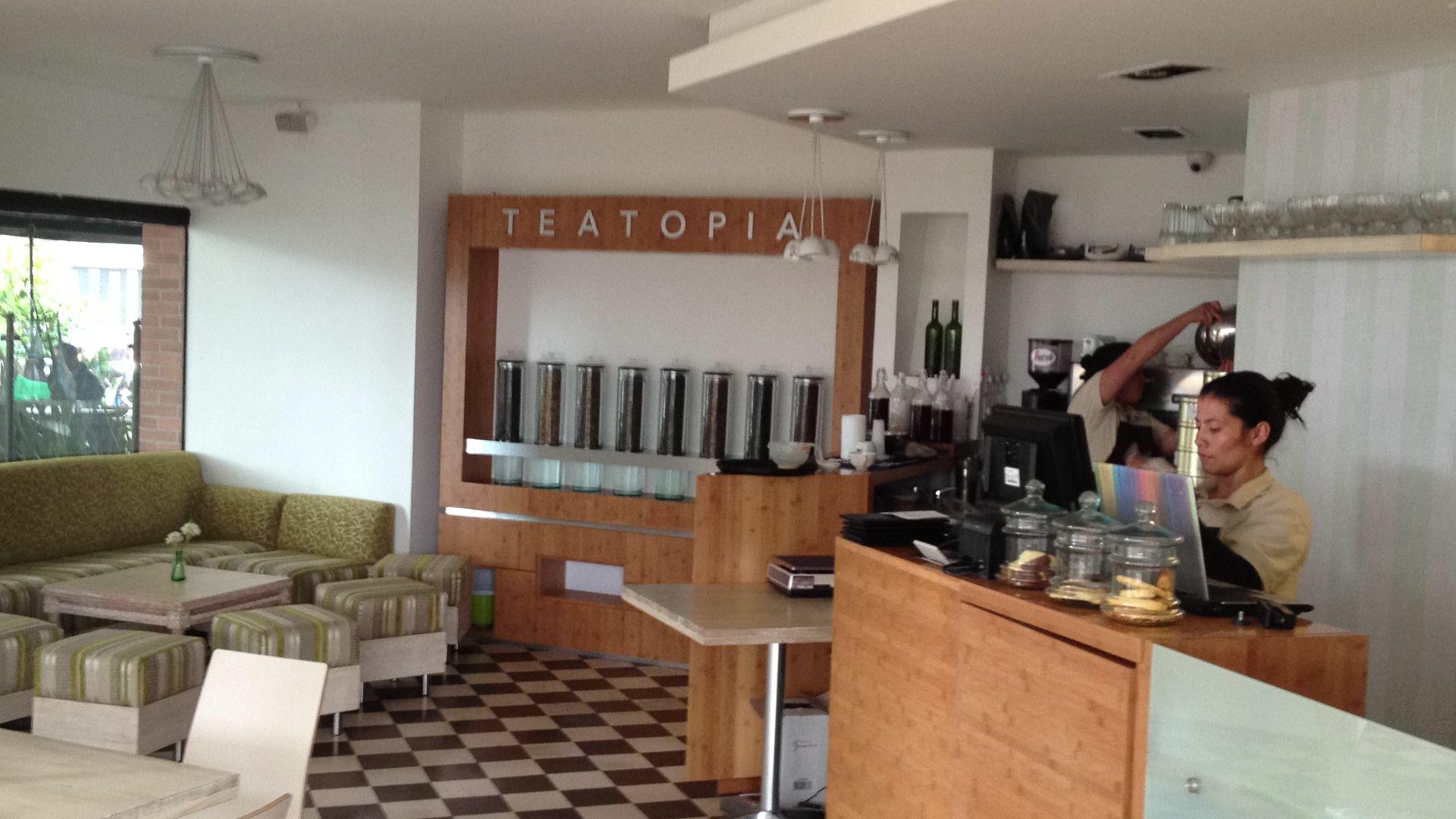 Teatopia Calle 93B con Cr. 14 en Bogotá. Lindo sitio. Carta agradable para un almuerzo ligero.