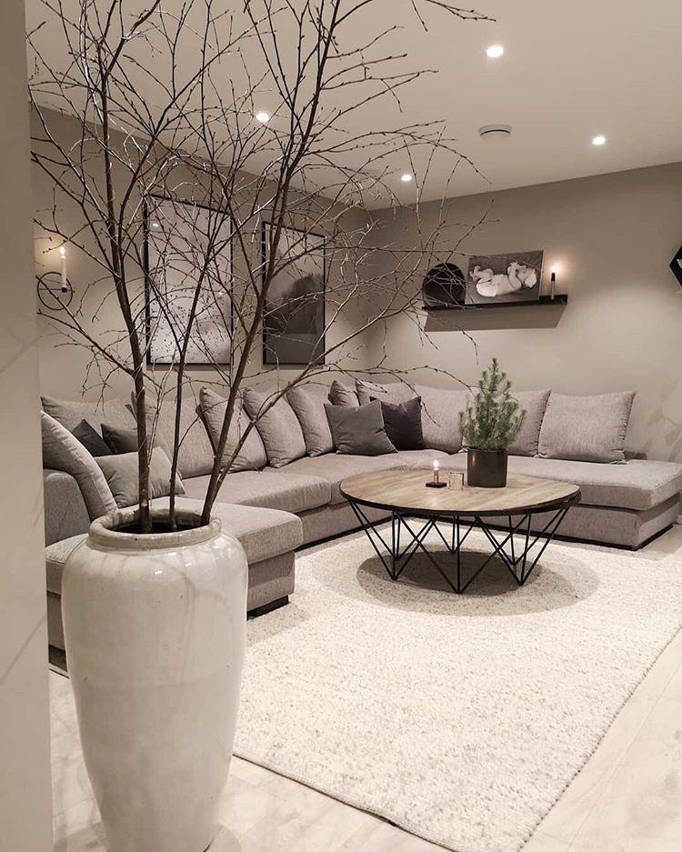 Photo of Bild könnte enthalten: Tisch, Wohnzimmer, Pflanze und Innenbereich        Bild …
